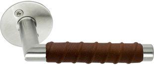 Kastrup dörrhandtag / dörrtrycke - Rostfritt stål / lindat brunt läder - Beslag Design